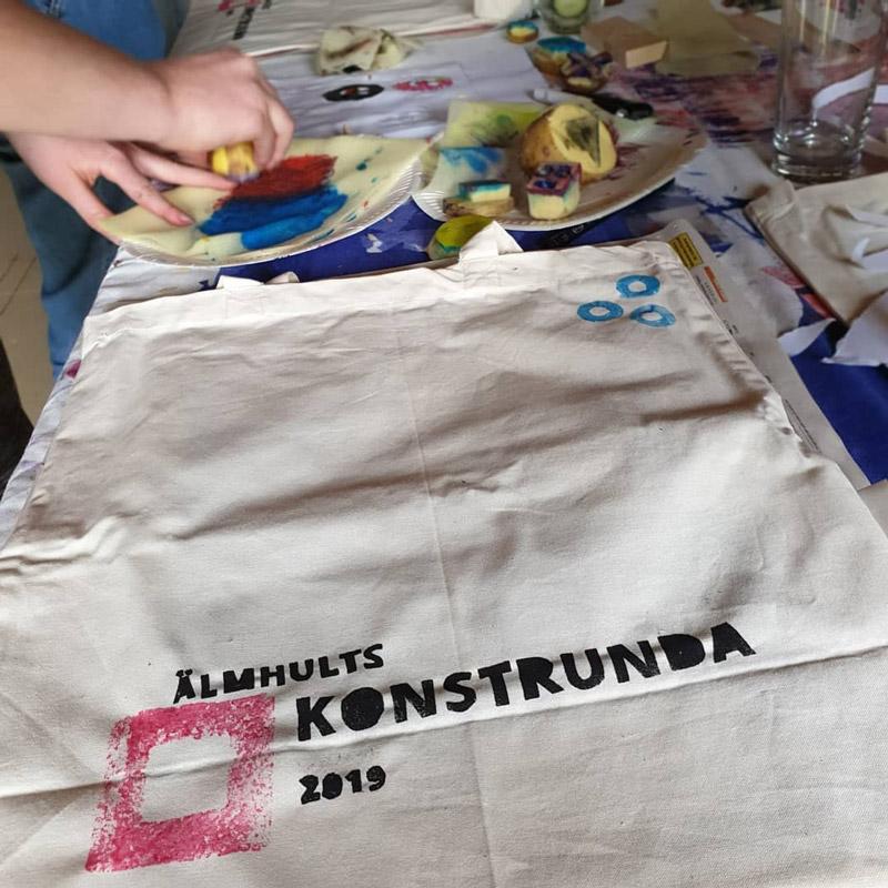 Naturväska textil Älmhults konstrundas med logga
